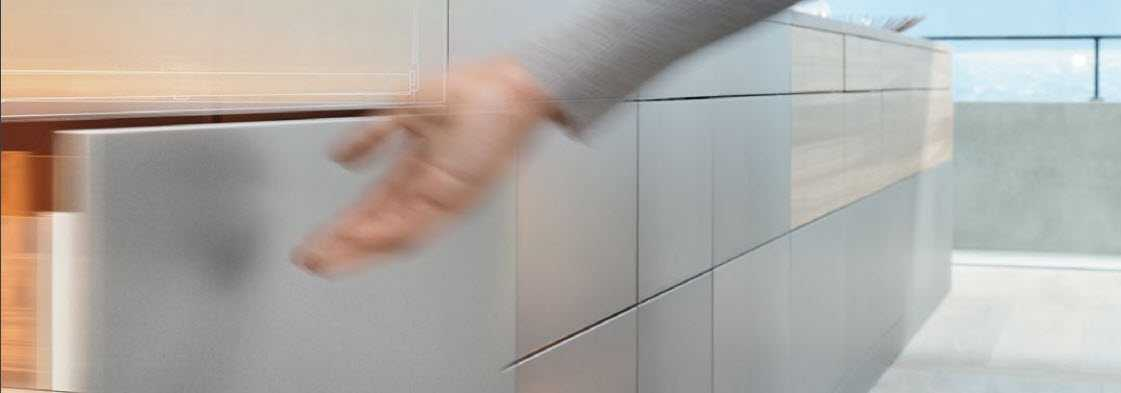 Les quincailleries génèrent automatique les perçages et fraisages