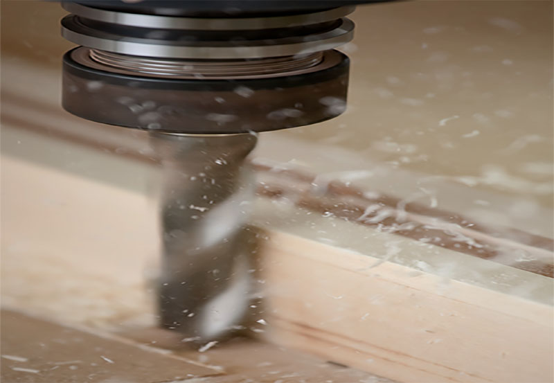 It generates automatically the programs for the CNC